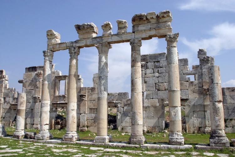 pic-к-статье-Хлестова-Руины древнего сирийского города Афамия